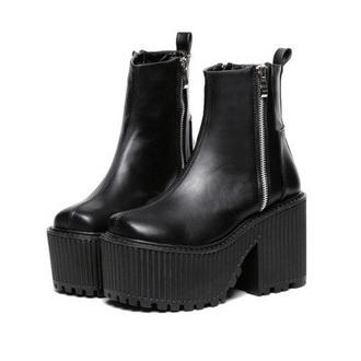 shoes black boots biker unif zip plateau platform shoes indie grunge goth blackfashion heels chunky biker boots chunky heels chunky boots