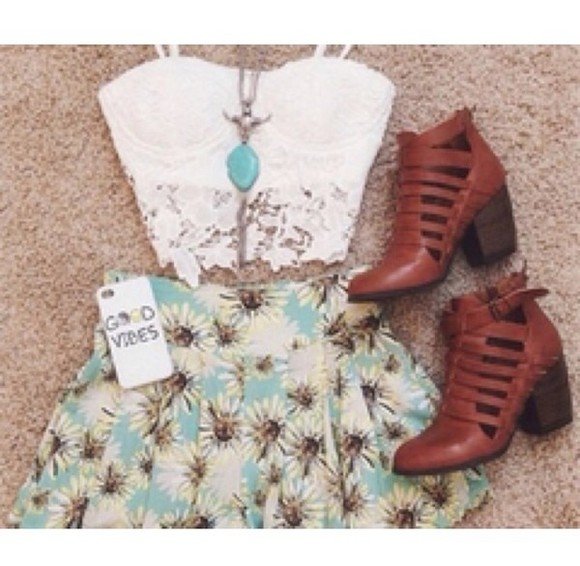 skirt girly outfit crop tops skater clothes vibes