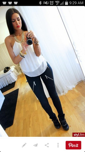 pants zip jeans black jeans white blouse tank top bracelets zipped pants blouse