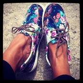 shoes,sperry,floral,blue,brown,cute,canvas,boat shoes,white,flowers,vans,floral shoes boat shoes,sperry top siders,girl,flower crown,boat,blue floral sperrys boat shoes,roses,sebago shoes,floral boat shoes,nike