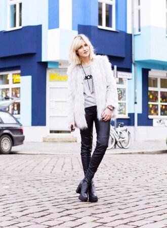 mikuta now blogger pants t-shirt shoes