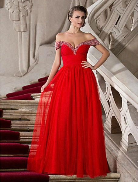 Robe rouge bal de fin d'annee