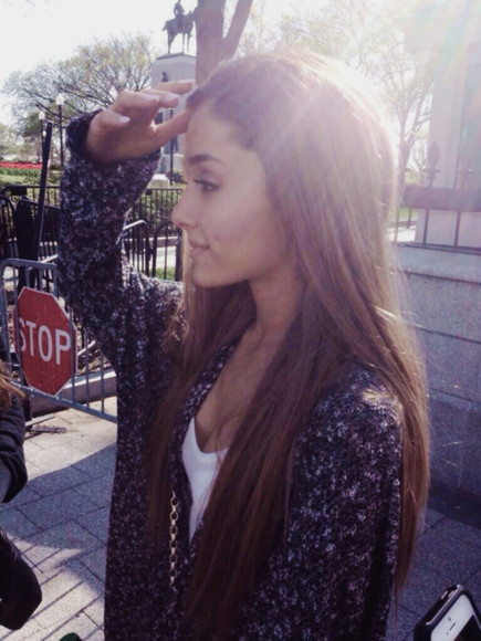 grey loose fit sweater cardigan vneck ariana grande