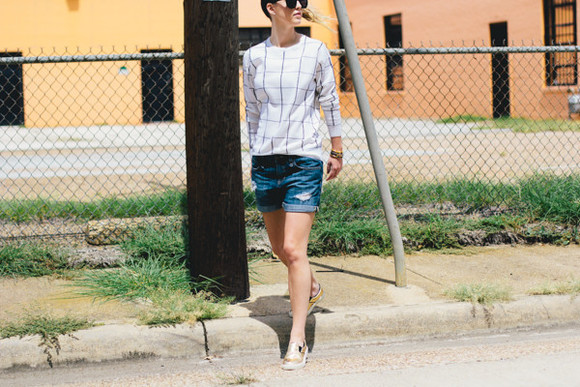 blogger shoes sunglasses jewels jeans side smile style