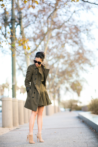 wendy's lookbook blogger sunglasses khaki peep toe heels nude high heels winter dress trench coat