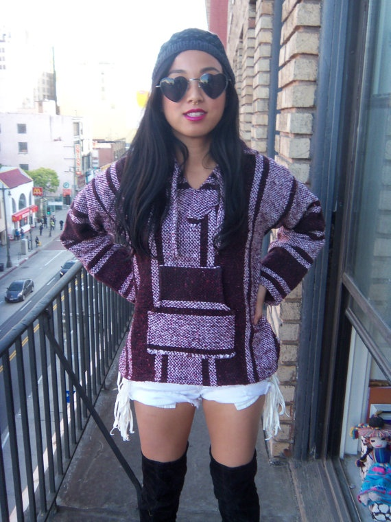 Vtg 70s 90s mexican poncho // ombre maroon // ethnic striped hoody
