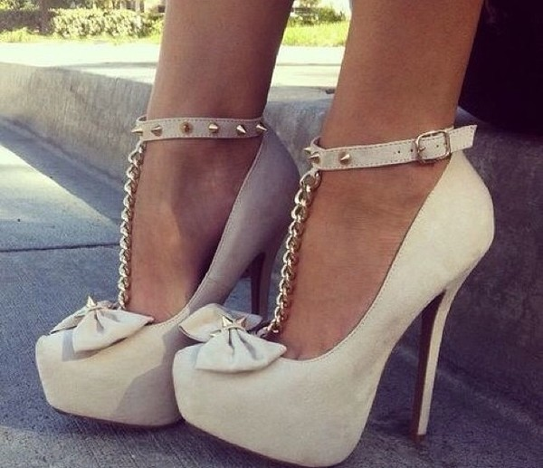 shoes white spikes gold chain bow
