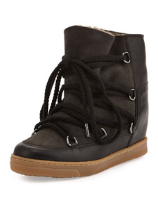 Lined hidden wedge snow boot, black