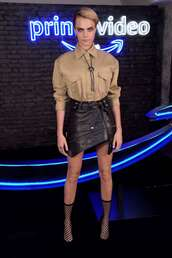 top,cara delevingne,model off-duty,mini skirt,brown,shirt,leather,boots,fall outfits