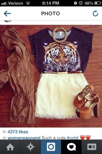 skirt tiger print chain belt outfit t-shirt fluffy jewels pumps parka