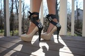 shoes,heels,high heels,ribbon,studded heels,studded ribbon,nude heels,nude high heels