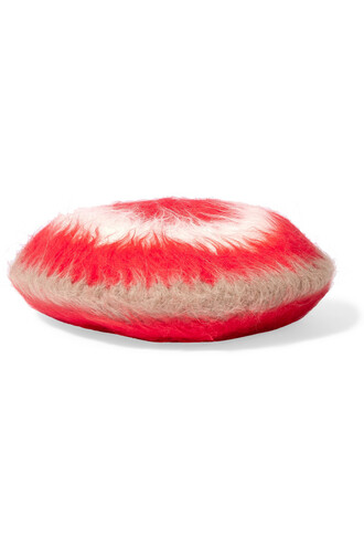 beret red hat