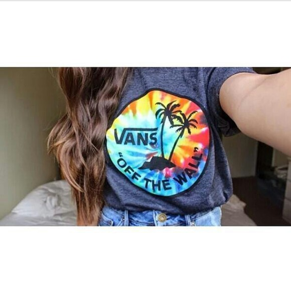 shirt palm tree print grey shirt vans tie dye rainbow off the wall vans