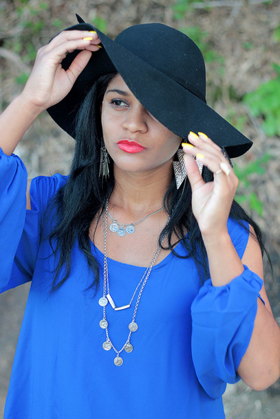 dress hat blue dress blue blue prom dress acessories vogue beautiful beautyful black dress red dress red lipstick fashionista fashionista sunglasses brasil t-shirt Choies blogger summer dress