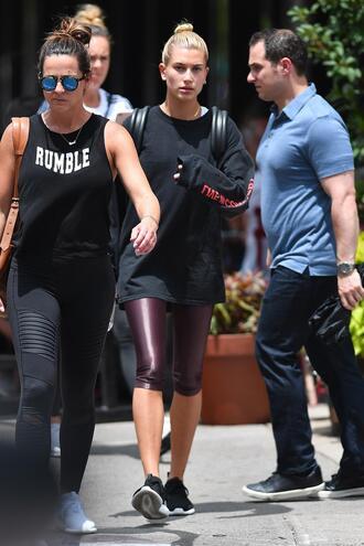 shoes leggings hailey baldwin sweatshirt model off-duty streetstyle
