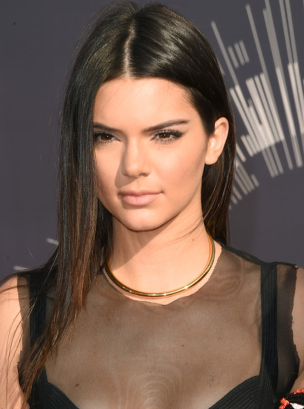 necklace kendall jenner vma gold choker jewelry keeping up with the kardashians celebrity style celebrity