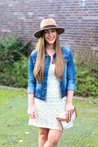 hat girl blogger fedora jeans lace lace dress clutch asos tommy hilfiger brown blonde girl fashion blogger