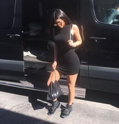 dress,black dress,short,sleeveless,black,sneakers,kylie jenner,instagram,sunglasses,all black everything,bodycon dress,mini dress,summer dress,backpack,kardashians