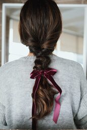 hair accessory,hair,hairstyles,hair bow,brunette,braid