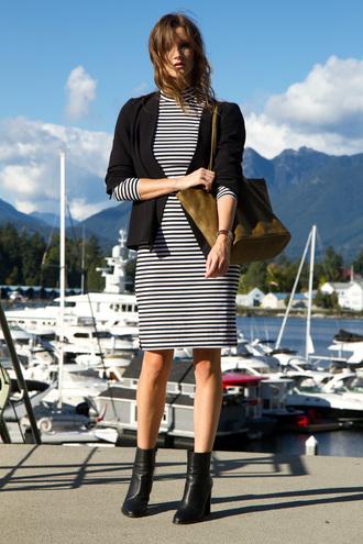 styling my life blogger striped dress black blazer