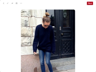 sweater top knot bun bun hairstyles blue sweater denim jeans blue jeans pumps black pumps high heel pumps fall outfits sunglasses streetstyle