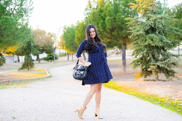 crimenes de la moda blogger dress jacket jewels shoes bag maternity blue dress maternity dress shoulder bag ankle boots