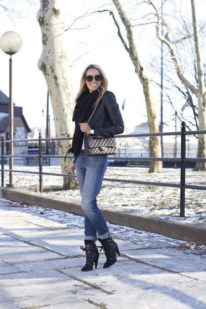 mind body swag blogger black boots black jacket