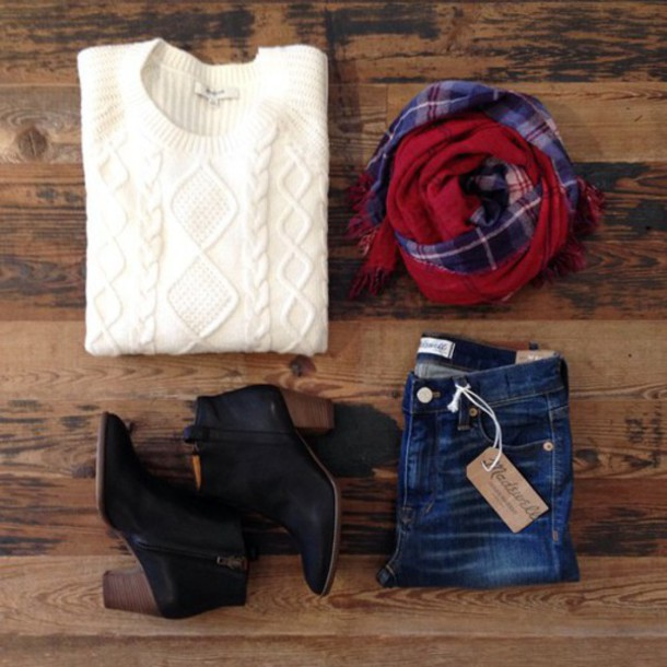 sweater white sweater christmas design heels black heels scarf infinity jeans blue jeans christmas sweater infinty scarf