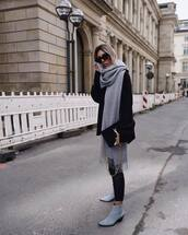 scarf,wool,black sweater,oversized sweater,skinny pants,ankle boots,suede,suede boots,sunglasses,handbag
