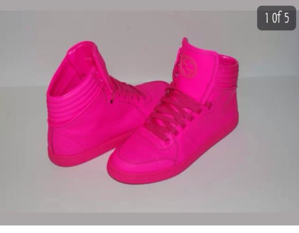 shoes neon pink gucci
