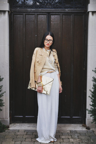 bag gold clutch clutch metallic clutch skirt white skirt maxi skirt sweater nude sweater jacket nude jacket glasses spring outfits