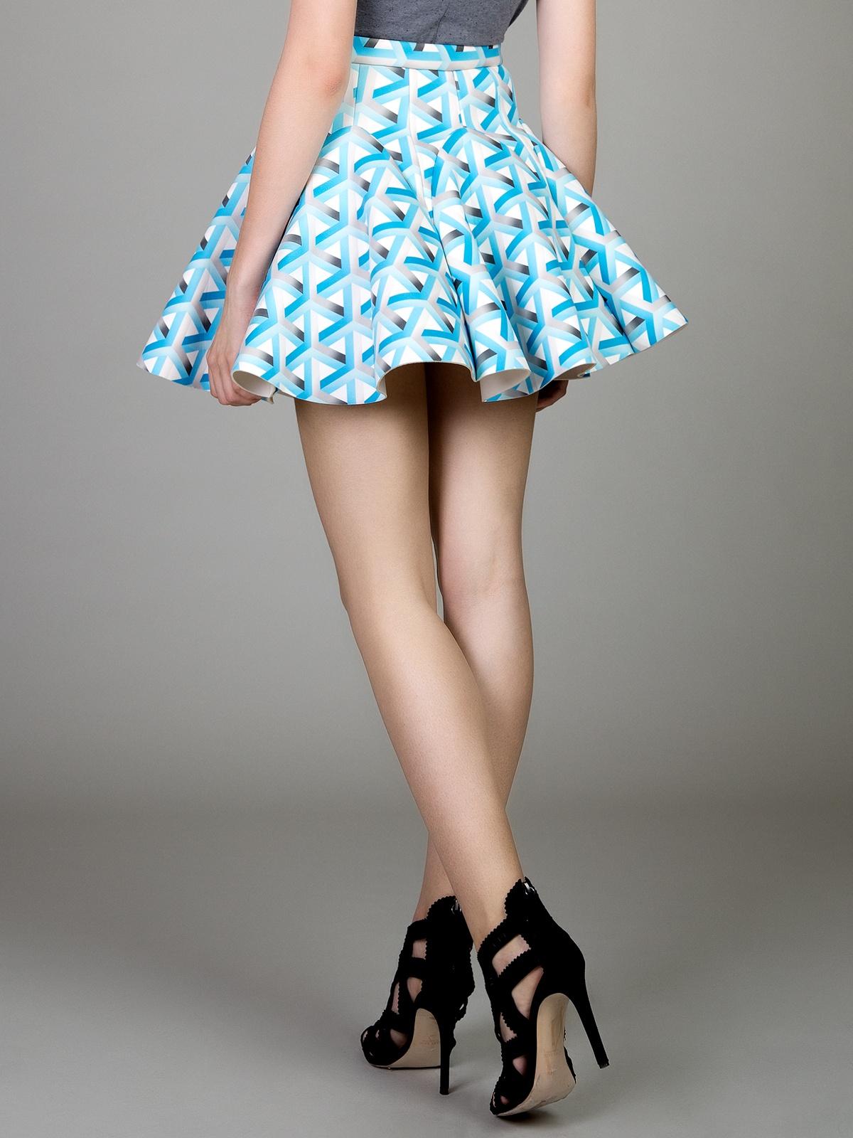 Reflection pleated neoprene skirt in 3d geo