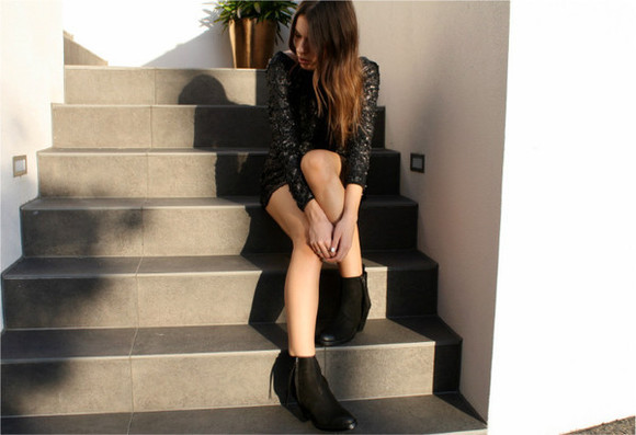 metallic dress dress fashion blogger australian fashion blogger little black dress formal dress black sequin dress
