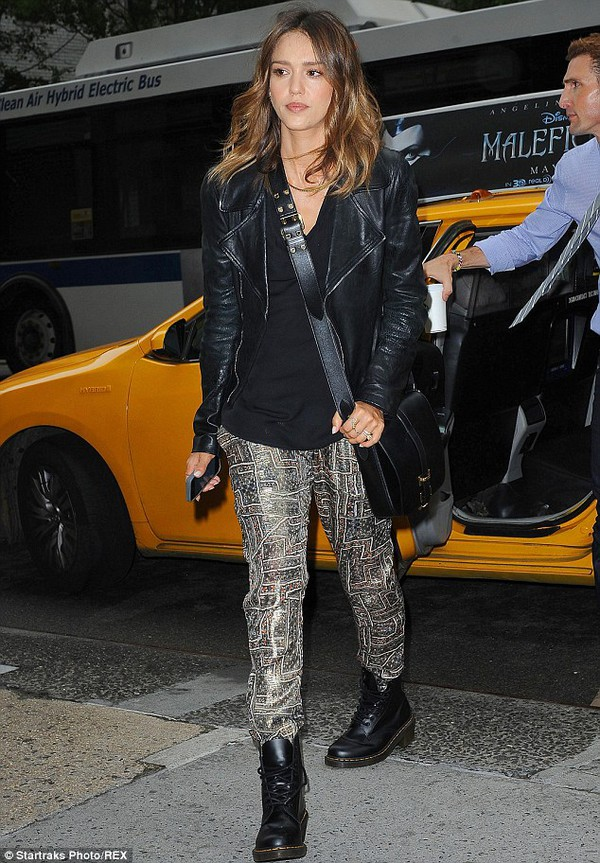 pants jessica alba bag boots shoes