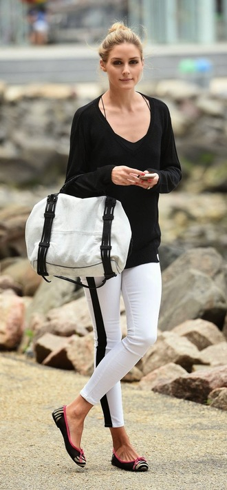 top pants ballet flats shoes olivia palermo printed ballerinas white pants black top long sleeves bag white bag
