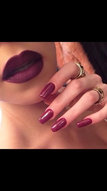 make-up lips makeup swap lipstick lipstick lipstick burgundy nail polish nail accessories jewels nails i love this lipstick burgundy dark lipstick earphones nail polish
