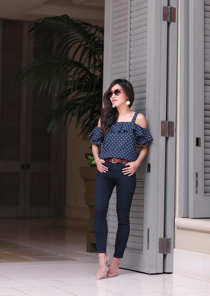extra petite blogger top shoes jeans belt jewels