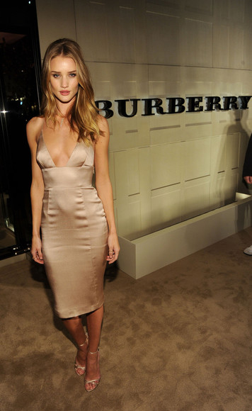 burberry dress burberry fashion fashion long dress evening gown