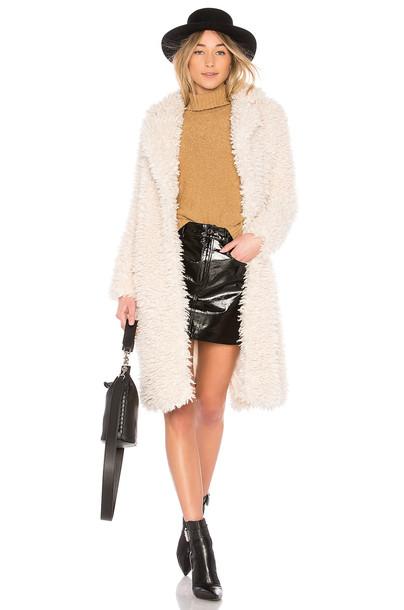 EAVES coat
