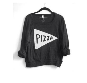 shirt pizza black t-shirt earphones
