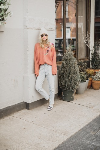 yael steren blogger sweater jeans hat shoes jewels sunglasses make-up nail polish pink sweater beanie winter outfits