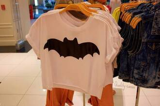 t-shirt t-sirt batman white shopping beautiful blouse crop tops clothes brands shops cute