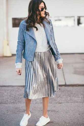 skirt tumblr pleated skirt metallic pleated skirt metallic midi skirt pleated silver top white top sneakers white sneakers jacket leather jacket blue jacket