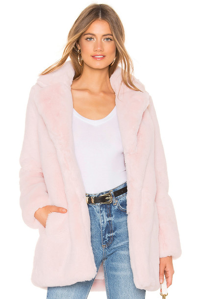 MAJORELLE Amora Coat in pink