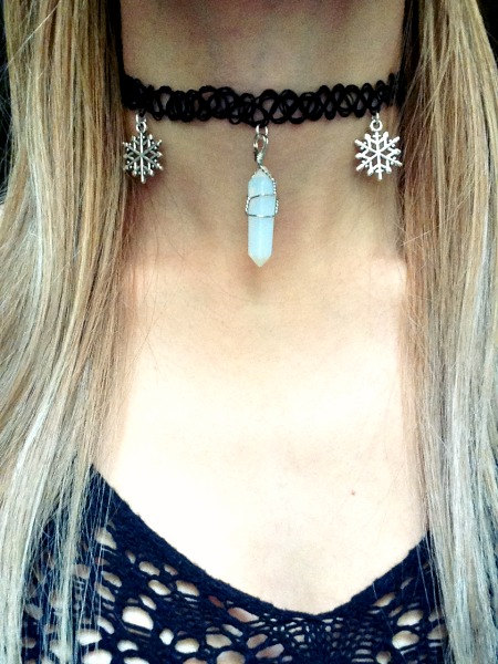 Opal flake Necklace - Opal Moonstone with Snowflake Charms - Tattoo Vintage 90s Choker