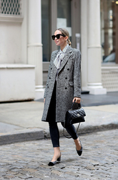 coat,tumblr,grey coat,work outfits,office outfits,denim,jeans,skinny jeans,shoes,mid heel pumps,sunglasses,bag,handbag
