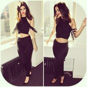 pumps,all black everything,crop tops,pants,top,shoes