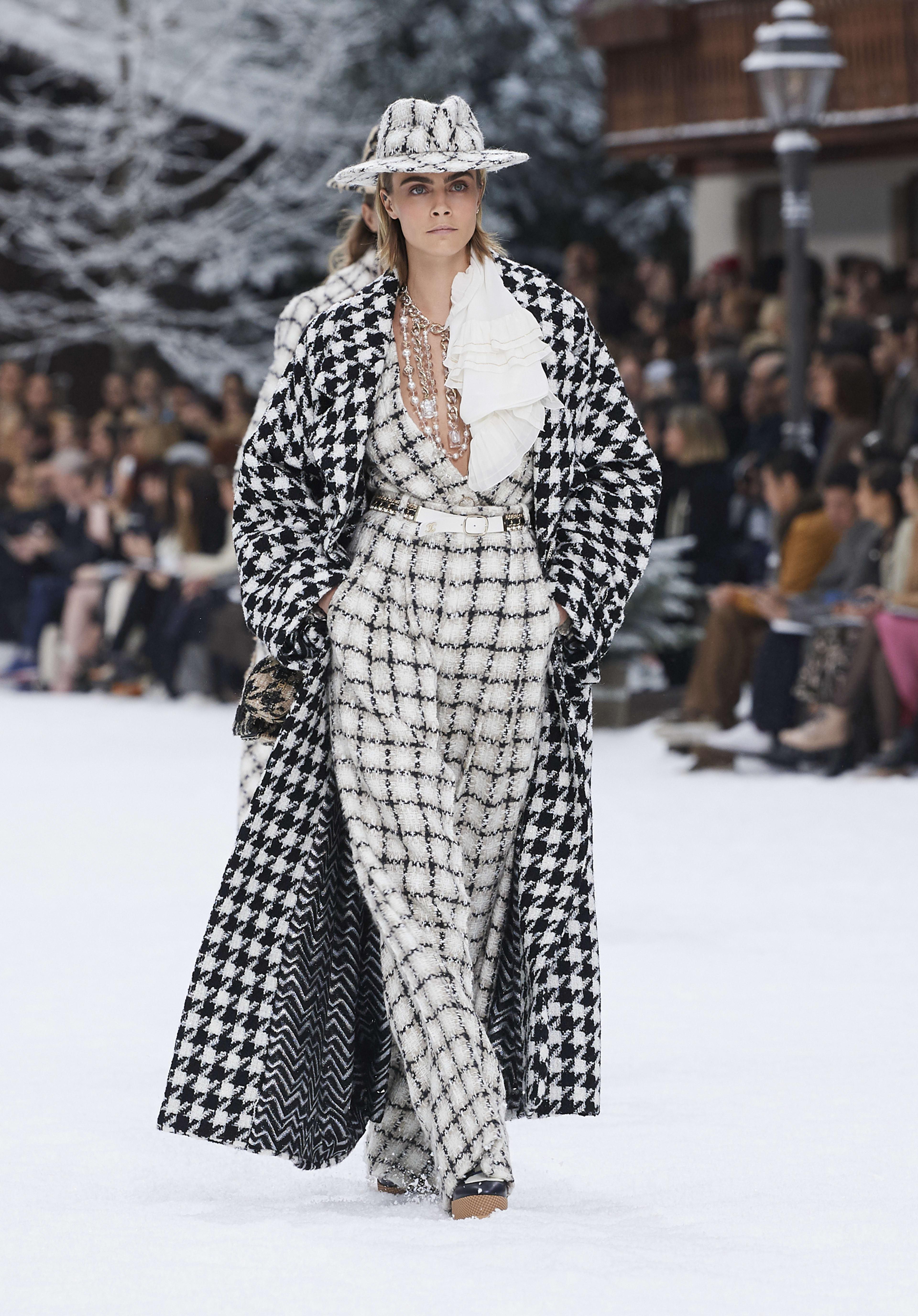 Look 1 - Fall-Winter 2019/20 | CHANEL