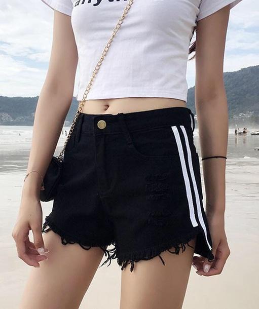 shorts girly girl girly wishlist black denim denim shorts stripes white frayed denim