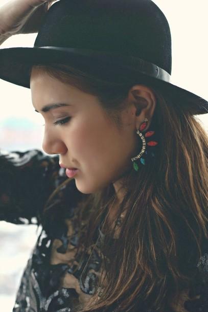 color me nana blogger hat earrings jewels pants